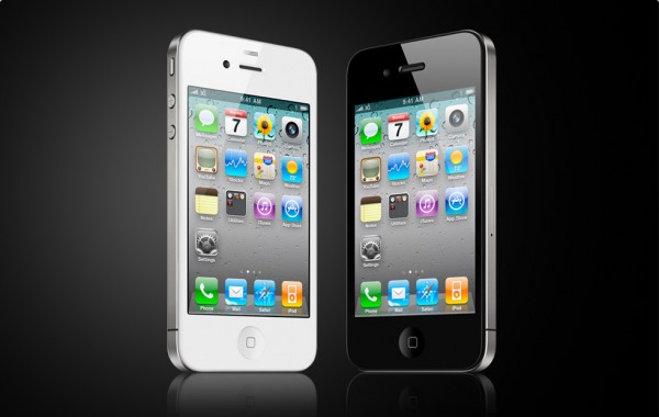 Apple: White iPhone 4 'more challenging to manufacture than expected,' delayed